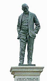 Staue of Henry Royce derby